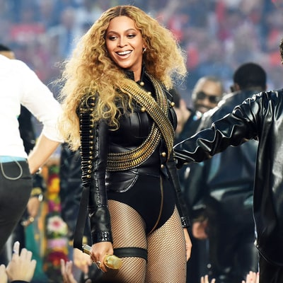 Beyoncé Wore 31-Carat Football-Shaped Diamond Earrings for the Super Bowl Halftime Show