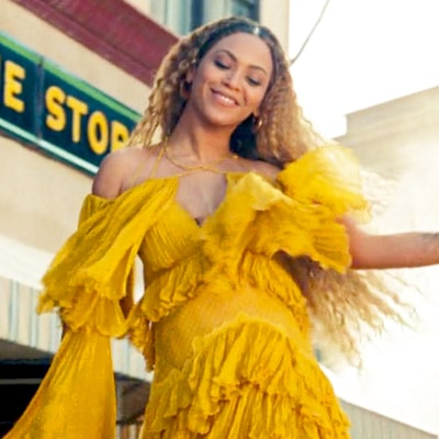 Beyonce Debuts 'Lemonade'-Themed Christmas Merch and They're Witty AF: 'Sleigh All Day'
