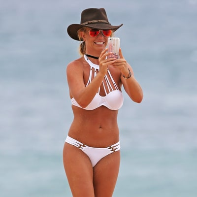 Britney Spears Goes Topless in Hawaii: See the Sexy Photos