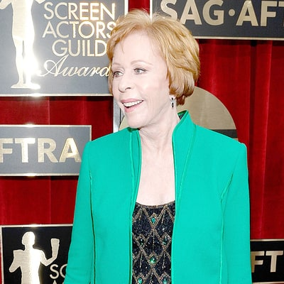 Carol Burnett Wore Slippers to the SAG Awards 2016 Red Carpet Like a Boss: Pics