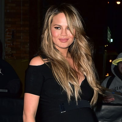 Chrissy Teigen Can Get Her Pregnancy Glow Back With These Four Skin Tips