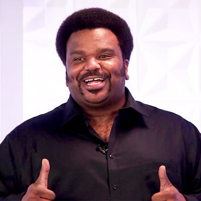 Craig Robinson Improvises Songs About Ryan Reynolds and Andrew Garfield's Kiss, Mariah Carey's NYE Performance and More