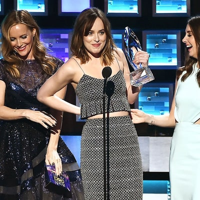 Dakota Johnson Explains That Awkward Wardrobe Malfunction at the People's Choice Awards
