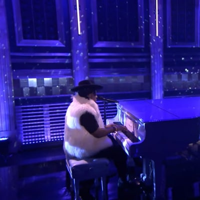 D'Angelo, Maya Rudolph Perform Amazing Prince Tribute on 'Tonight Show'