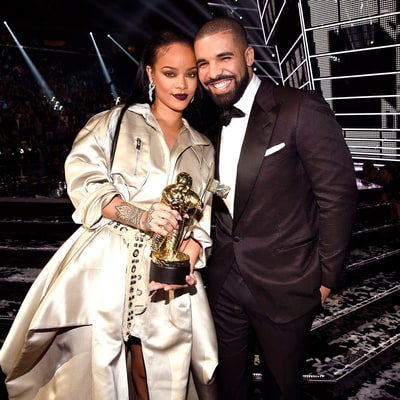 Drake Kisses Rihanna in Late-Night Selfie After He Declares He Loves Her at VMAs 2016