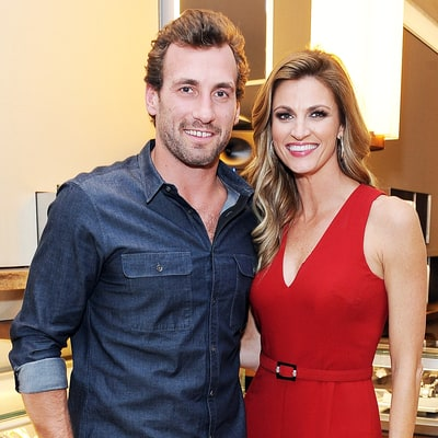 Erin Andrews Confirms Engagement to Jarret Stoll With Massive Diamond Ring