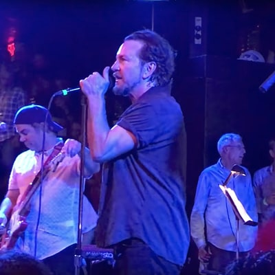 Watch Eddie Vedder Cover Talking Heads, Rolling Stones at Boston Benefit