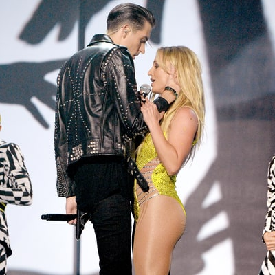 Britney Spears Dodged a Kiss From G-Eazy on National Television at 2016 MTV VMAs, and Fans Lost It