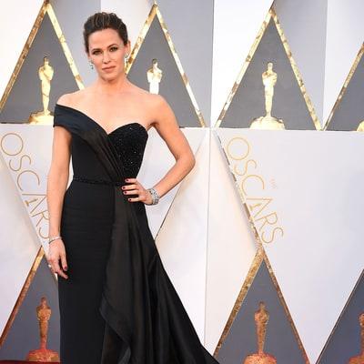 Jennifer Garner Makes Jimmy Fallon Blush With Explicitly Intimate Oscars Underwear Story