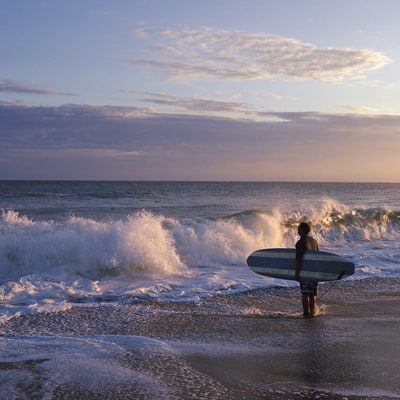 Epic One-Day Adventures: Surfing in Montauk