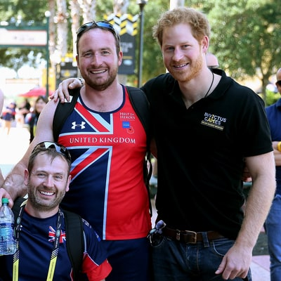 Prince Harry Arrives in Orlando Ahead of 2016 Invictus Games, Wears 'Too Many Clothes' Hanging With Swim Team