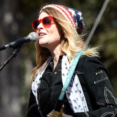 Hear Elizabeth Cook, Chris Shiflett Talk David Letterman, Americana