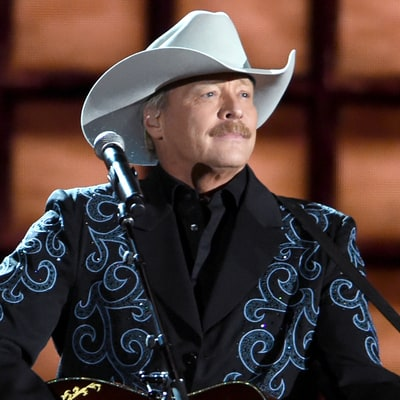 Alan Jackson Plots 2017 Honky Tonk Highway Tour