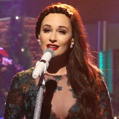 See Kacey Musgraves' Sweet 'Christmas Don't Be Late' on 'Seth Meyers'