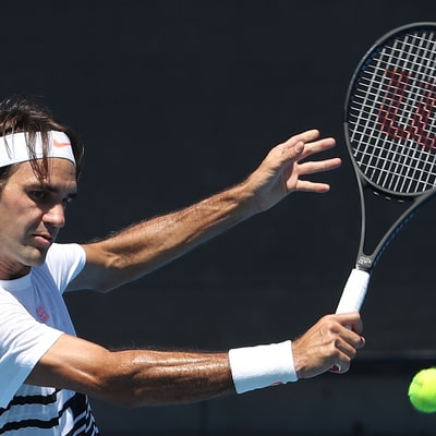 Roger Federer Goes to Practice, and 800,000 People Watch