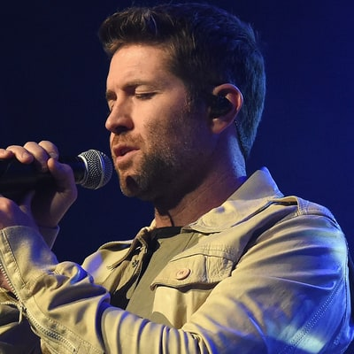 Hear Josh Turner Nod to the Nineties in New Song 'Deep South'