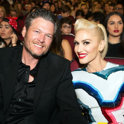 Gwen Stefani and Blake Shelton Hold Hands, Share a Kiss at Radio Disney Awards