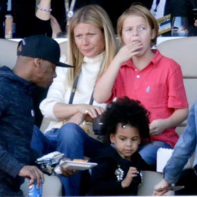 Gwyneth Paltrow, Blue Ivy Cheer on Chris Martin, Beyonce During Super Bowl 50 Halftime Show: Pictures