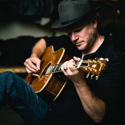 Hear Jason Eady Detail a Songwriter's Struggle in 'Waiting to Shine'