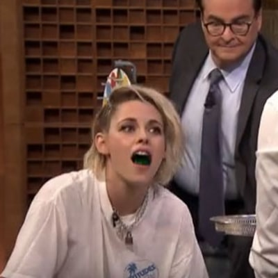 Kristen Stewart, Jimmy Fallon Drink Jell-O Shots, Play Twister: Watch!
