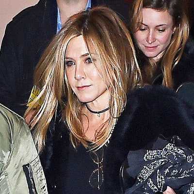 Jennifer Aniston Embraces the Choker Trend on Date Night With Justin Theroux