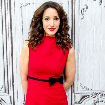 Jennifer Beals: What's in My Bag?