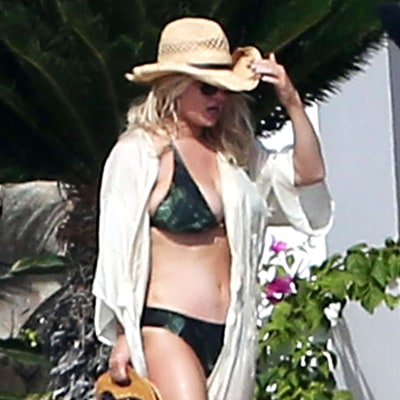 Jessica Simpson's Bikini Body Is Out of Control in This Skimpy Two-Piece