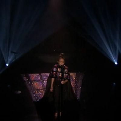 Jennifer Lopez, Lin-Manuel Miranda Perform 'Love Make the World Go Round' on 'Fallon'