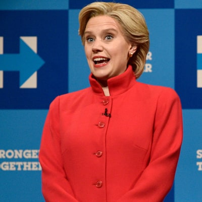 Kate McKinnon as Hillary Clinton Gets Emotional as She Sings 'Hallelujah' on 'Saturday Night Live'