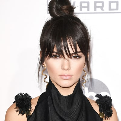 Kendall Jenner Shows Off New Bangs on the AMAs 2015 Red Carpet