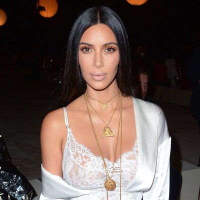 Kim Kardashian West's back & she's still got major selfie game