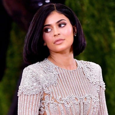 Kylie Jenner Reveals She Has Food Poisoning: 'I Don't Look Sexy Right Now'