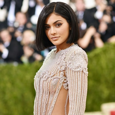 Kylie Jenner Flashes Sideboob, Rocks Blunt Bob at Met Gala 2016 Debut