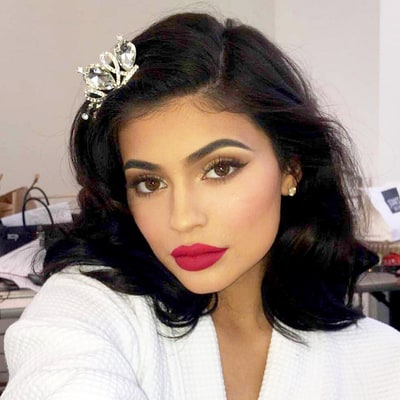 Kylie Jenner Kontinues to Kill the Cosmetics Game, Introduces Kyliner