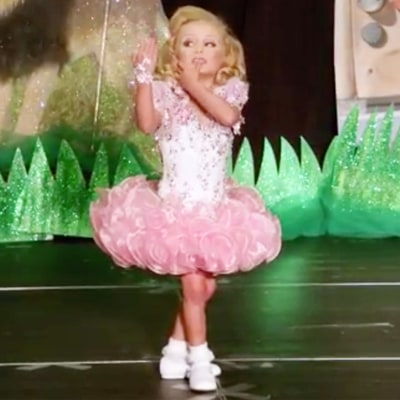 'Toddlers and Tiaras' Judge Slams Performer in Sneak Peek: Her Outfit Is 'Cheap'