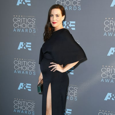 Pregnant Liv Tyler Glows in Bump-Hugging Gown at Critics' Choice Awards 2016