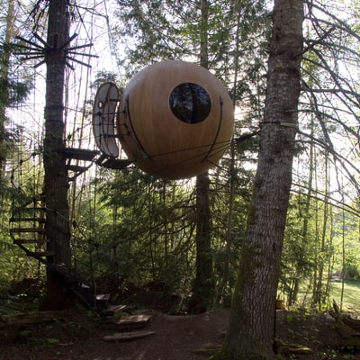 Shelter of the Week: Floating Orbs on Vancouver Island
