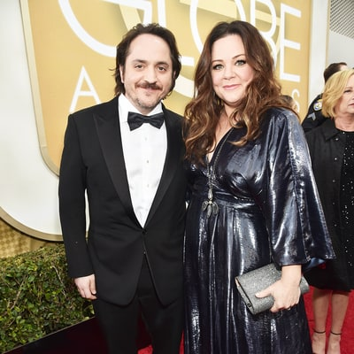 Golden Globes 2016: Melissa McCarthy Shows Off Hourglass Figure in Metallic Dress