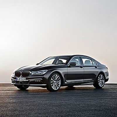 The Futuristic Tech in the BMW 7 Series