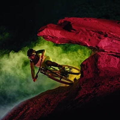 Watch Mountain Bikers Glow as They Carve Trails at Midnight