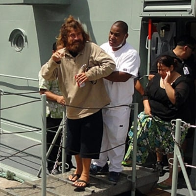 First Contact With Castaway José Salvador Alvarenga