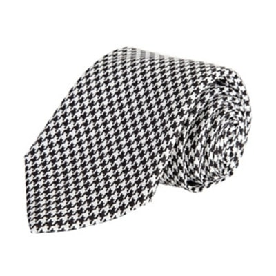 How to Wear Houndstooth