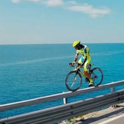 Italian Cyclist Shows Up Danny MacAskill on a Road Bike