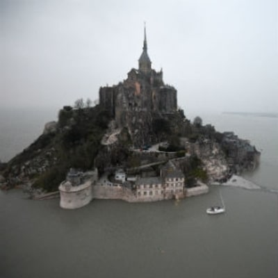 How a Supertide Cut Off Mont Saint-Michel