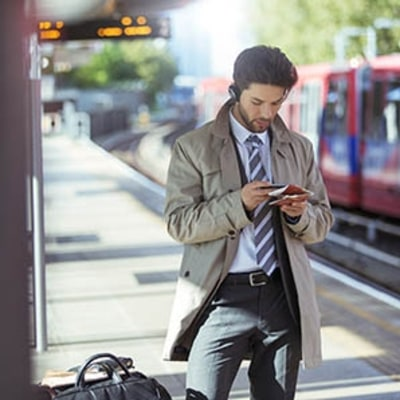 4 Must-Have Apps to Make Air Travel Easier