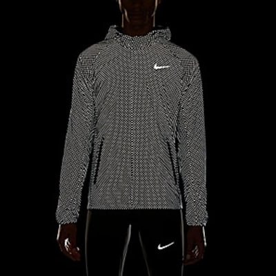 Nike Shield Flash Max Jacket: Best Gifts for Runners