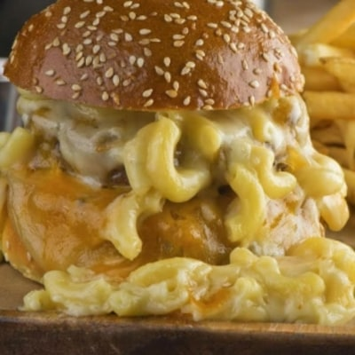 The Only Mac and Cheese Burger Recipe You'll Ever Need