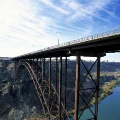 BASE Jumper Heroically Rescued After Wind Pushed Her Back Into the Bridge