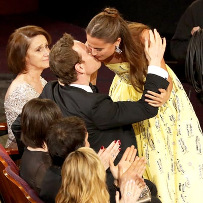 Alicia Vikander, Boyfriend Michael Fassbender Share Sweet Kiss at Oscars 2016 in Rare PDA Moment