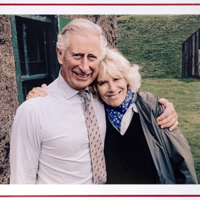 Prince Charles, Camilla Release Simple, Sweet 2015 Christmas Card: Picture!